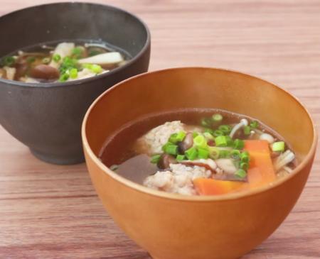 低糖質キノコたっぷり生姜入り鶏団子のスープ