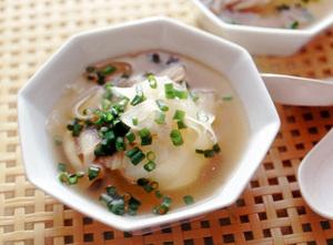 大根としめじの低糖質スープ